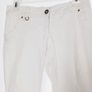Size 0 White Crop Capri Pants Side Stitch Detail 2